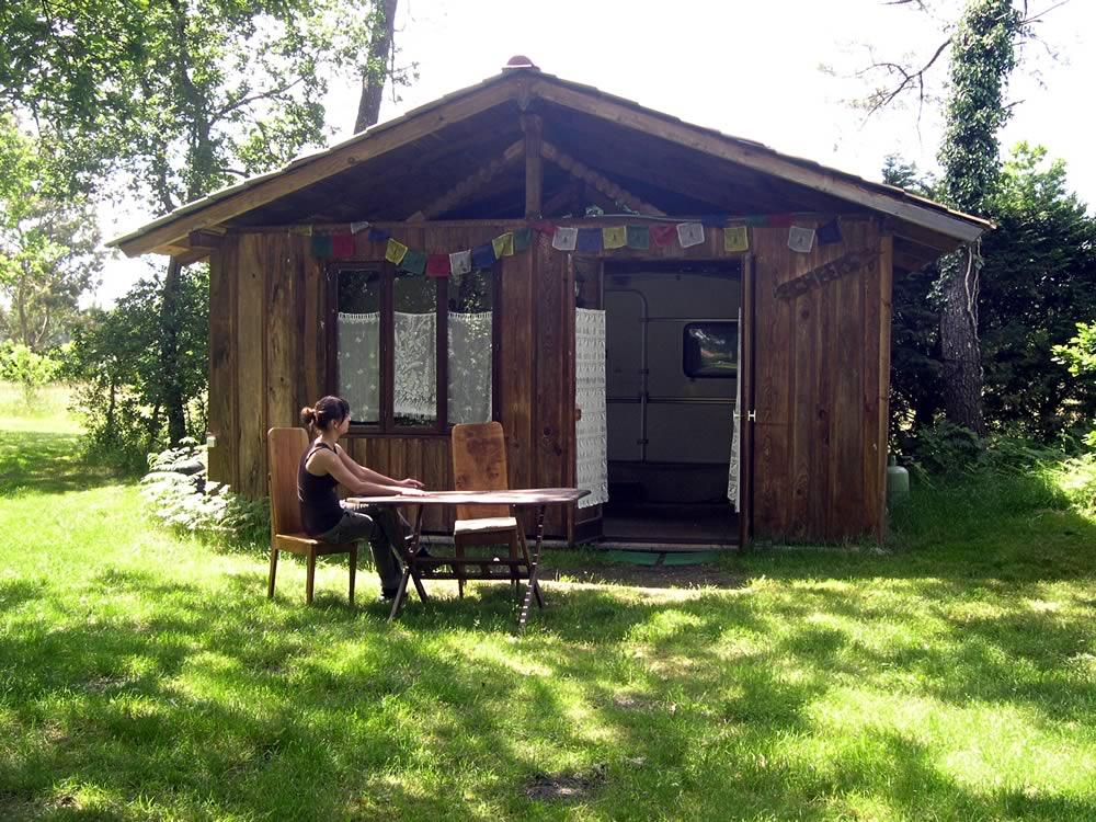 Camping du Toy - La Caravane-chalet du Toy : Location